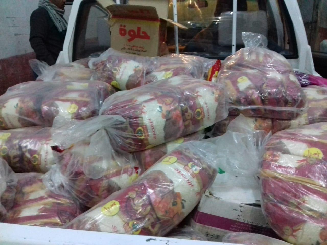 تموين الأقصر تضبط طن أرز منتهي الصلاحية قبل بيعها للمواطنين (3)