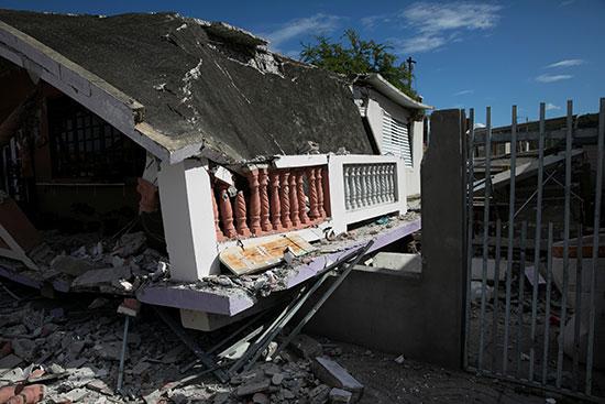 منزل منهار بعد زلزال في جوانيكا
