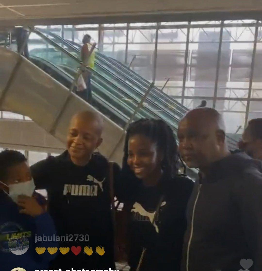 موسيماني فى مطار جنوب أفريقيا