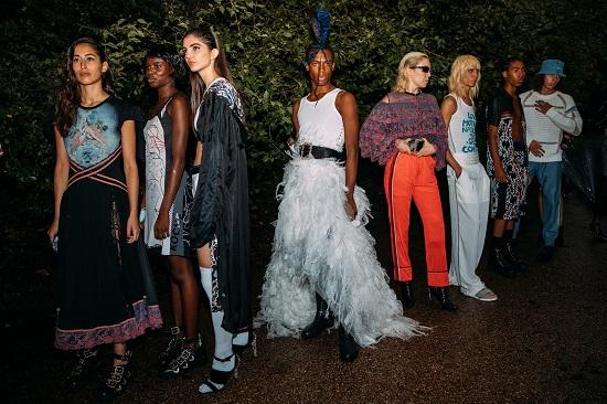 كواليس عرض أزياء Koché (1)