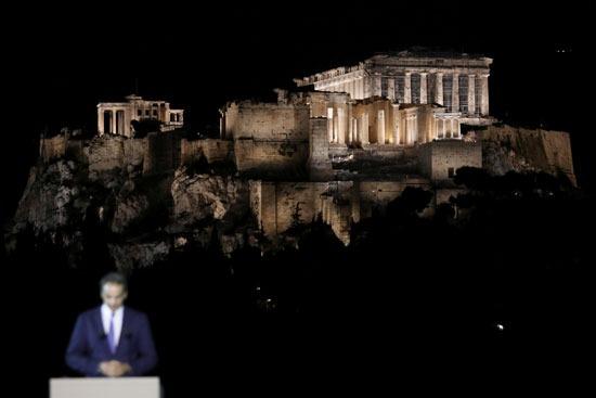 رئيس وزراء اليونان والأكروبوليس