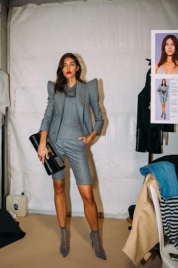 كواليس عرض أزياء  Balmain (1)