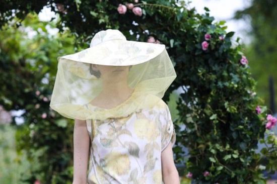 قبعة صفراء