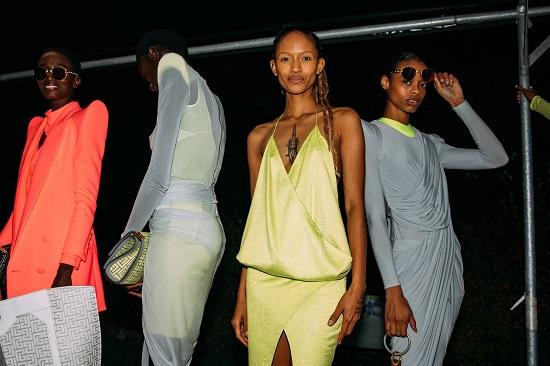 كواليس عرض أزياء  Balmain (6)