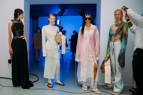 كواليس عرض أزياء Acne Studios (3)