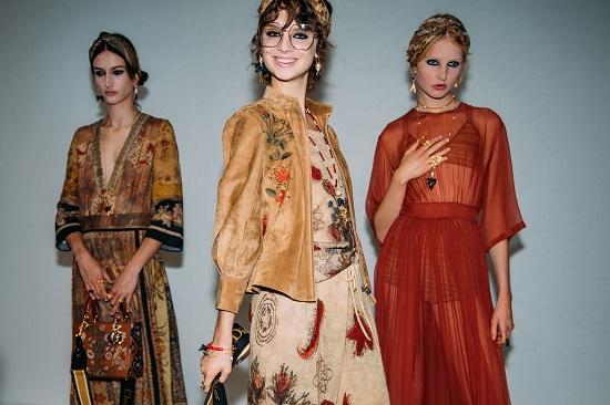 كواليس عرض أزياء Christian Dior (3)