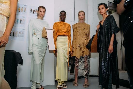 كواليس عرض أزياء Acne Studios (5)