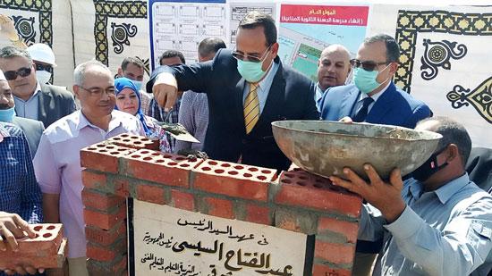 محافظ شمال سيناء يفتتح 3 محطات لتحلية المياه (3)