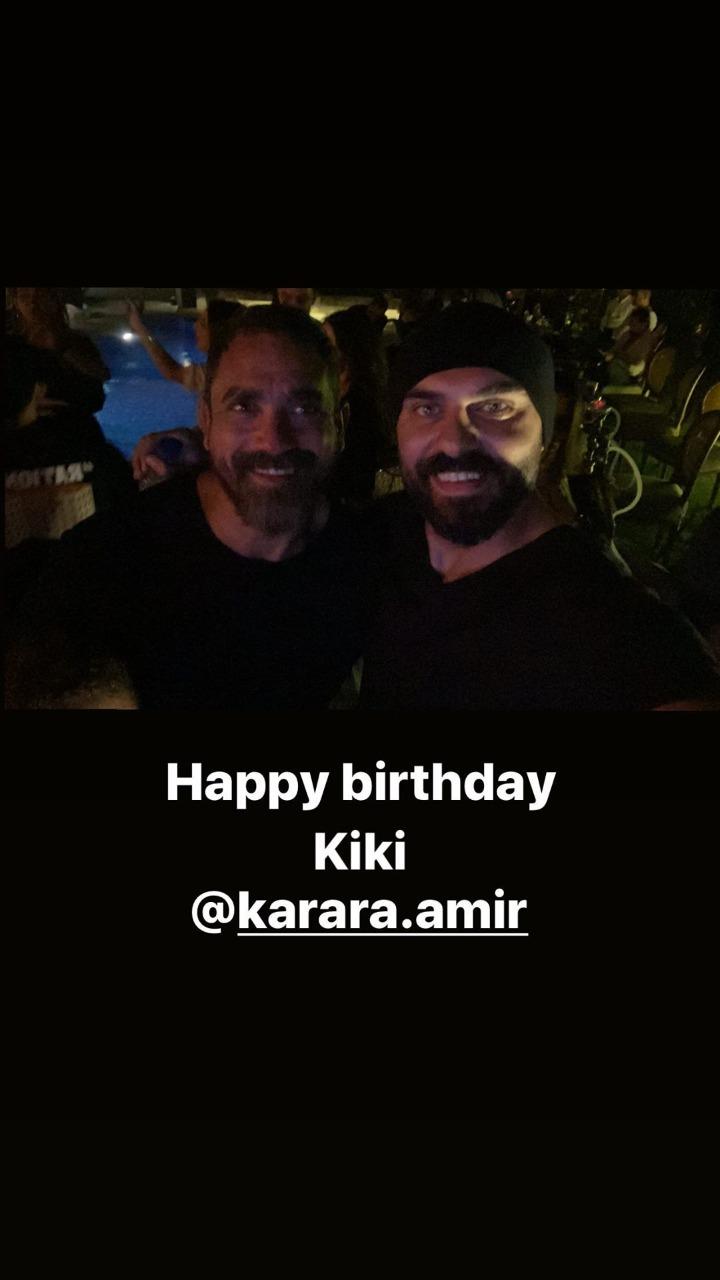 أمير كرارة يحتفل بعيد ميلاده مع أسرته وأصدقائه (3)