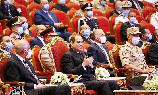 الرئيس السيسي يؤكد قدرة مصر على مواجهة المخاطر