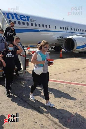 مطار شرم الشيخ الدولى يستقبل رحلة قادمة من بولندا (2)