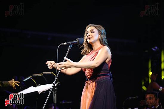انغام تتألق بأجمل أغانيها (2)