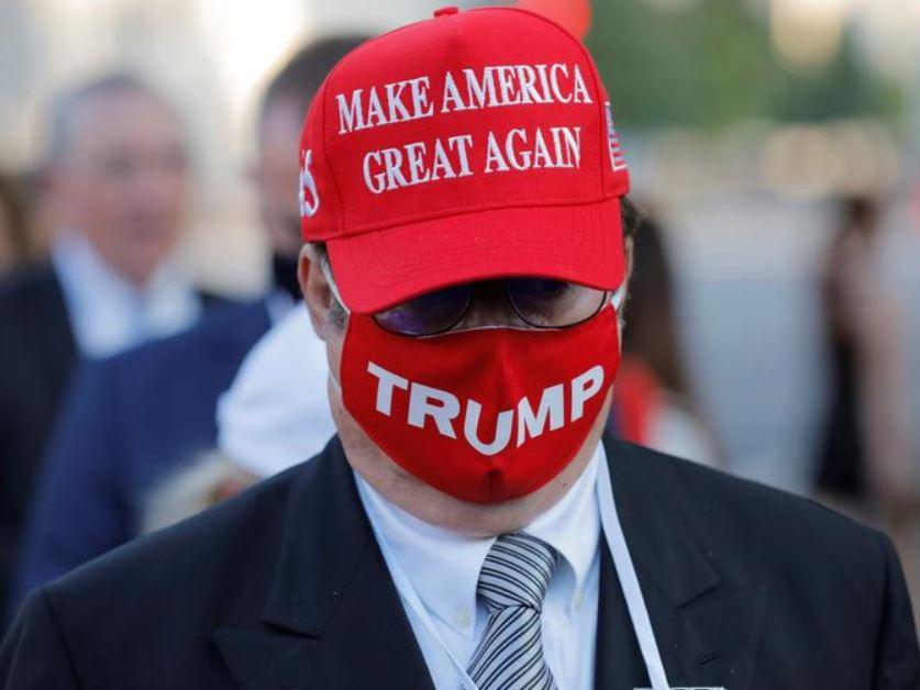 أحد مؤيدي حملة ترامب
