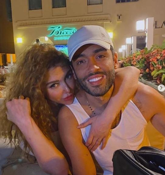 رامى جمال مع زوجته