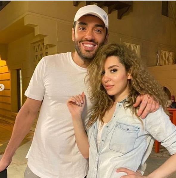 رامى جمال مع زوجته ناريمان