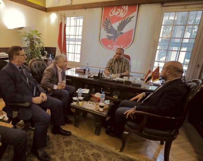 الاهلي يستقبل وفد الديوانية العراقي