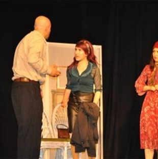 صورة أخري من المسرحية