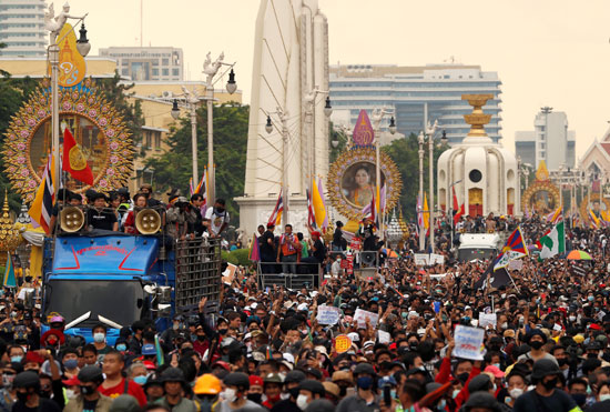 مطالبات بالإصلاح تؤججها ذكرى انتفاضة بانكوك
