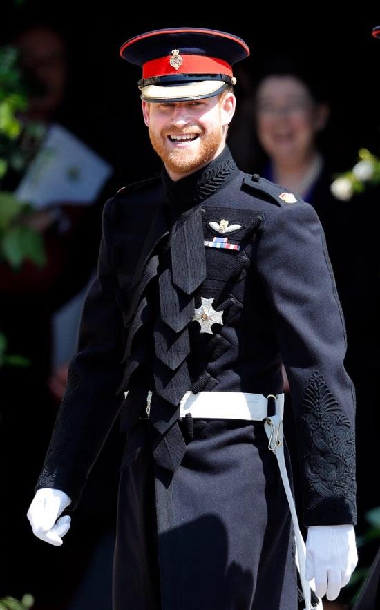 زي زفاف الأمير هاري