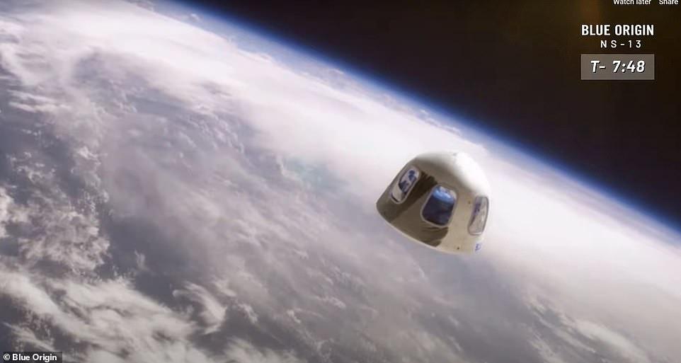 تصور المركبة فى الفضاء