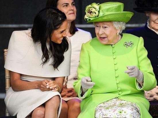 الملكة إليزابيث وماركل