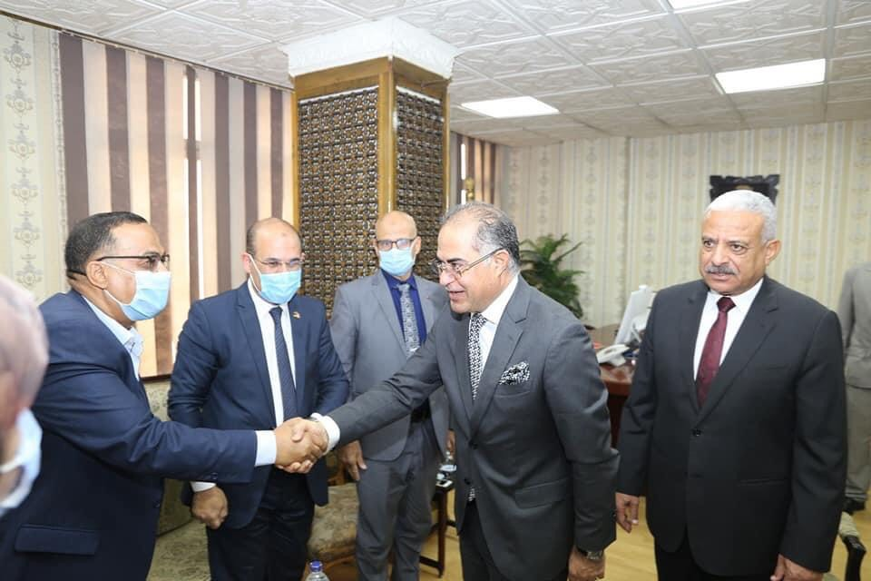 محافظ السويس يستقبل وزير الأوقاف ومفتى الجمهورية لافتتاح 5 مساجد (7)