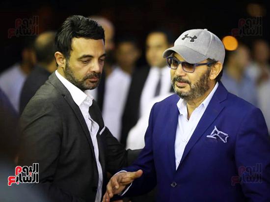 كمال ابو رية يقدم واجب العزا للمخرج عمرو محمود ياسين