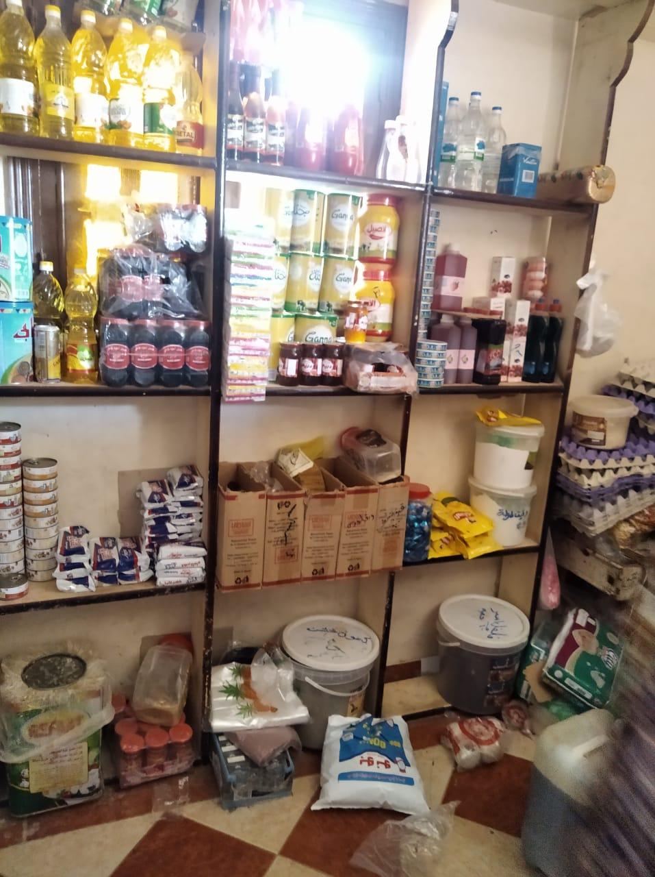 غلق 25 منشأة غذائية غير مرخصة والتحفظ على 474 عبوة دواء مخالفة بالشرقية (4)