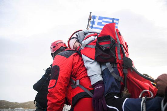 الطالبة المعاقة فوق أعلى قمة باليونان (5)