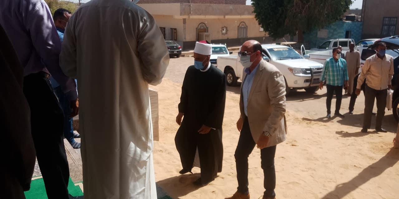 محافظ أسوان يفتتح مسجد نوح (1)
