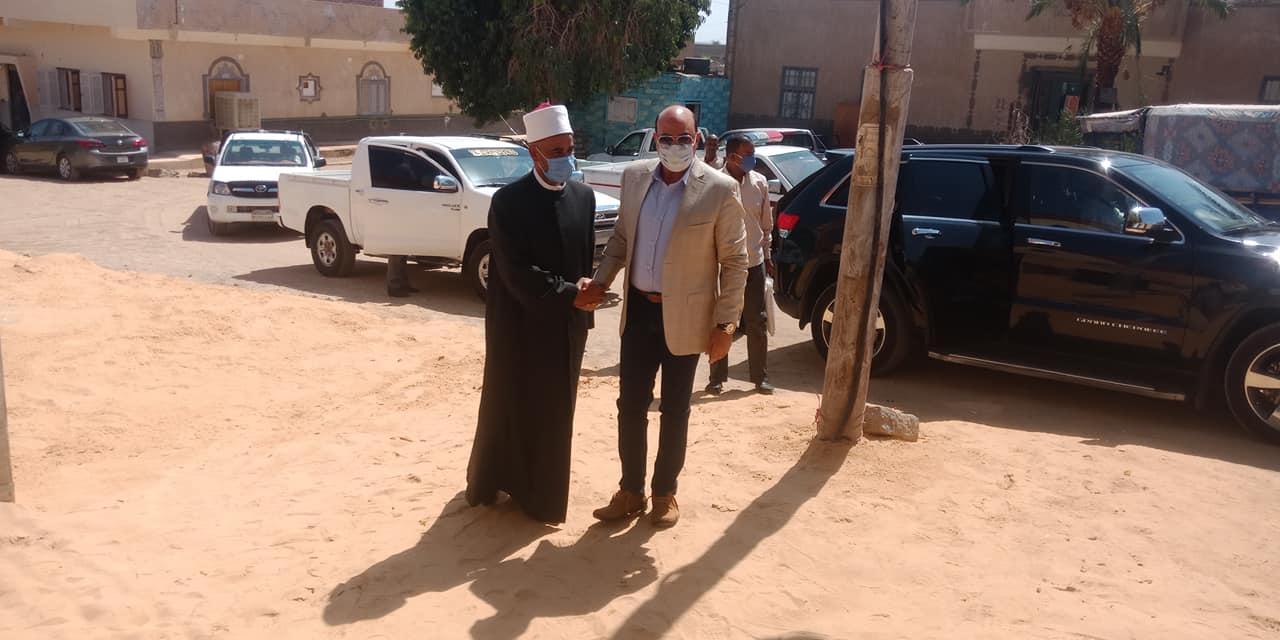 محافظ أسوان يفتتح مسجد نوح (3)