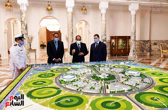 الرئيس السيسي مع الدكتور مصطفى مدبولي واللواء محمود توفيق وزير الداخلية (6)