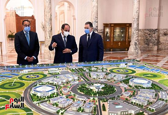 الرئيس السيسي مع الدكتور مصطفى مدبولي واللواء محمود توفيق وزير الداخلية (4)