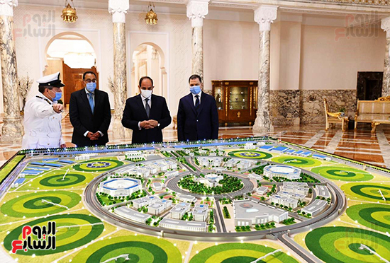 الرئيس السيسي مع الدكتور مصطفى مدبولي واللواء محمود توفيق وزير الداخلية (5)