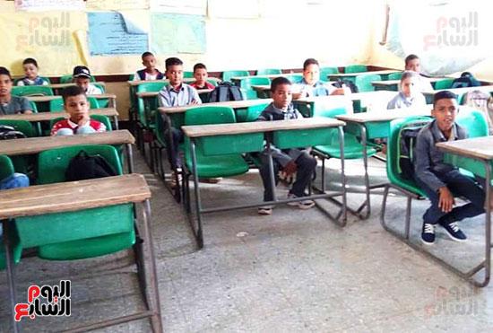 مدارس-المحافظات-تنتظم-فى-أول-أيام-العام-الدراسى-الجديد-(1)