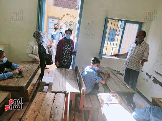 مدارس-المحافظات-تنتظم-فى-أول-أيام-العام-الدراسى-الجديد-(7)