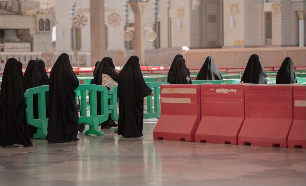 استعدادات لاستقبال قاصدات المسجد النبوى لتأديتهم المناسك  (4)