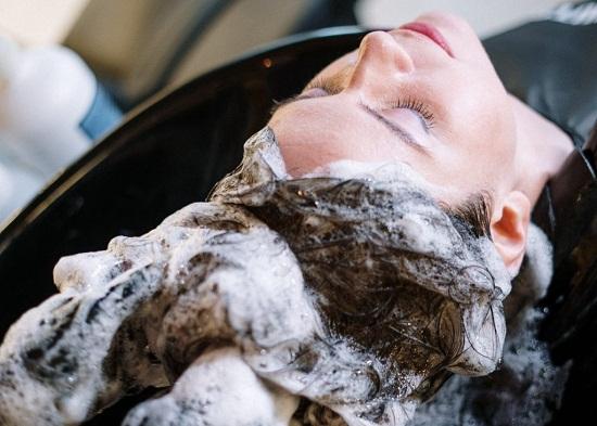 وصفات طبيعية بديلة لشامبو وبلسم الشعر