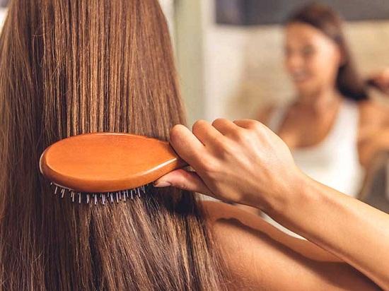 وصفات طبيعية لتنظيف الشعر