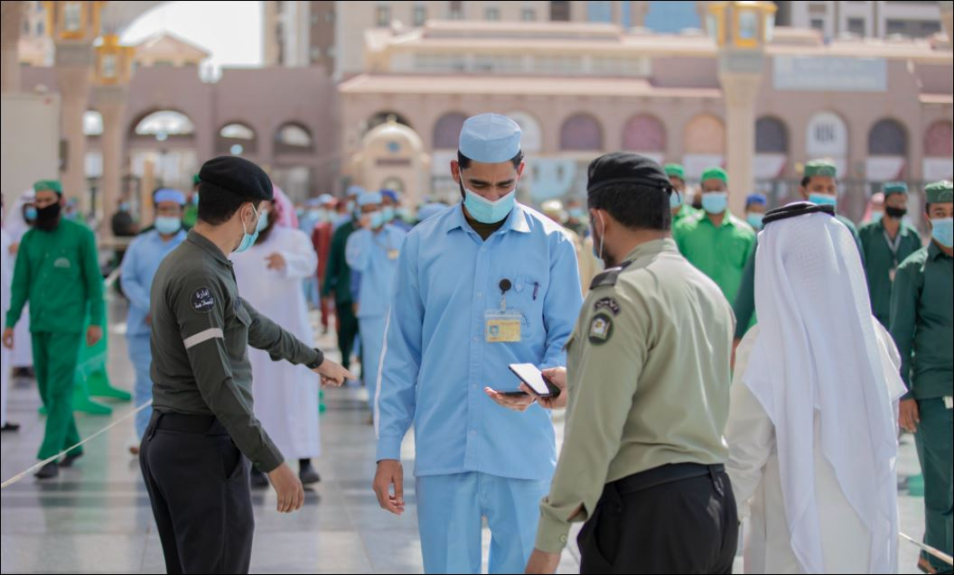 استعدادات لاستقبال قاصدات المسجد النبوى لتأديتهم المناسك  (7)