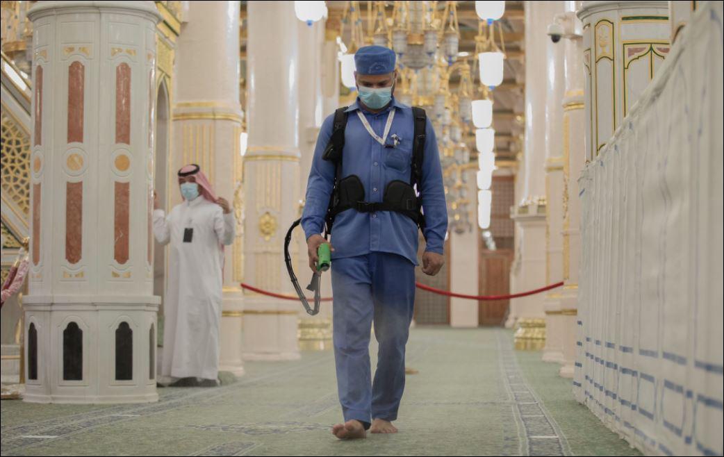 استعدادات لاستقبال قاصدات المسجد النبوى لتأديتهم المناسك  (2)