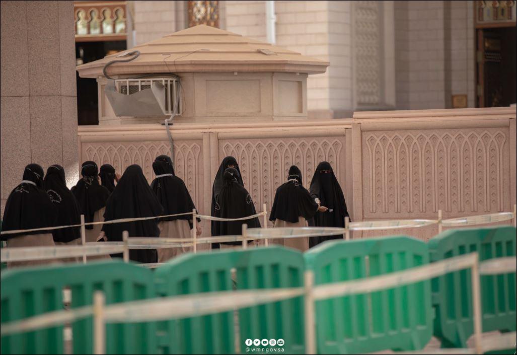 استعدادات لاستقبال قاصدات المسجد النبوى لتأديتهم المناسك  (1)