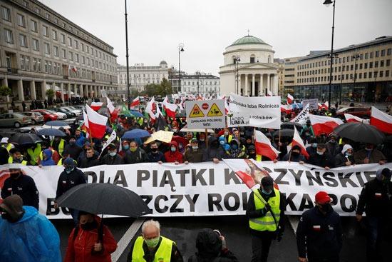 احتجاج مزارعو بولندا