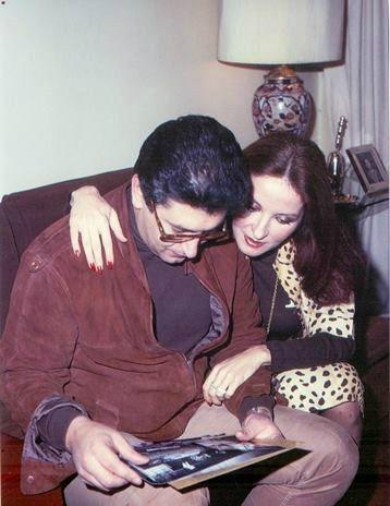 عمرو خورشيد وزوجته دينا (2)