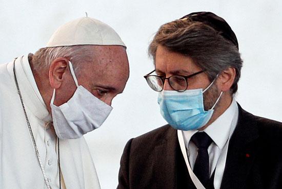 2020-10-20T153052Z_908119431_RC2FMJ9OE2SN_RTRMADP_3_HEALTH-CORONAVIRUS-POPE-MASK