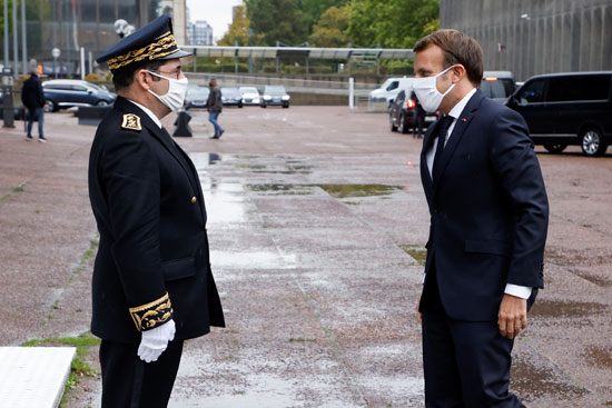2020-10-20T150407Z_751950060_RC2FMJ9NGUO6_RTRMADP_3_FRANCE-SECURITY-MACRON