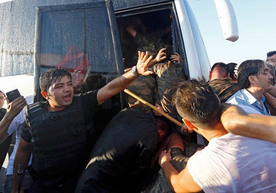 إهانة للعقيدة العسكرية وقيمة الجيش التركي