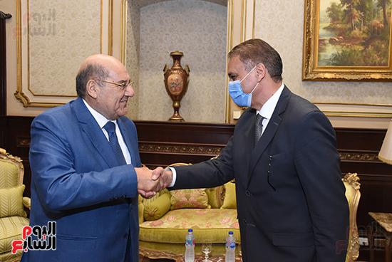المستشار عبد الوهاب عبد الرازق يستقبل رئيس الوزراء (4)
