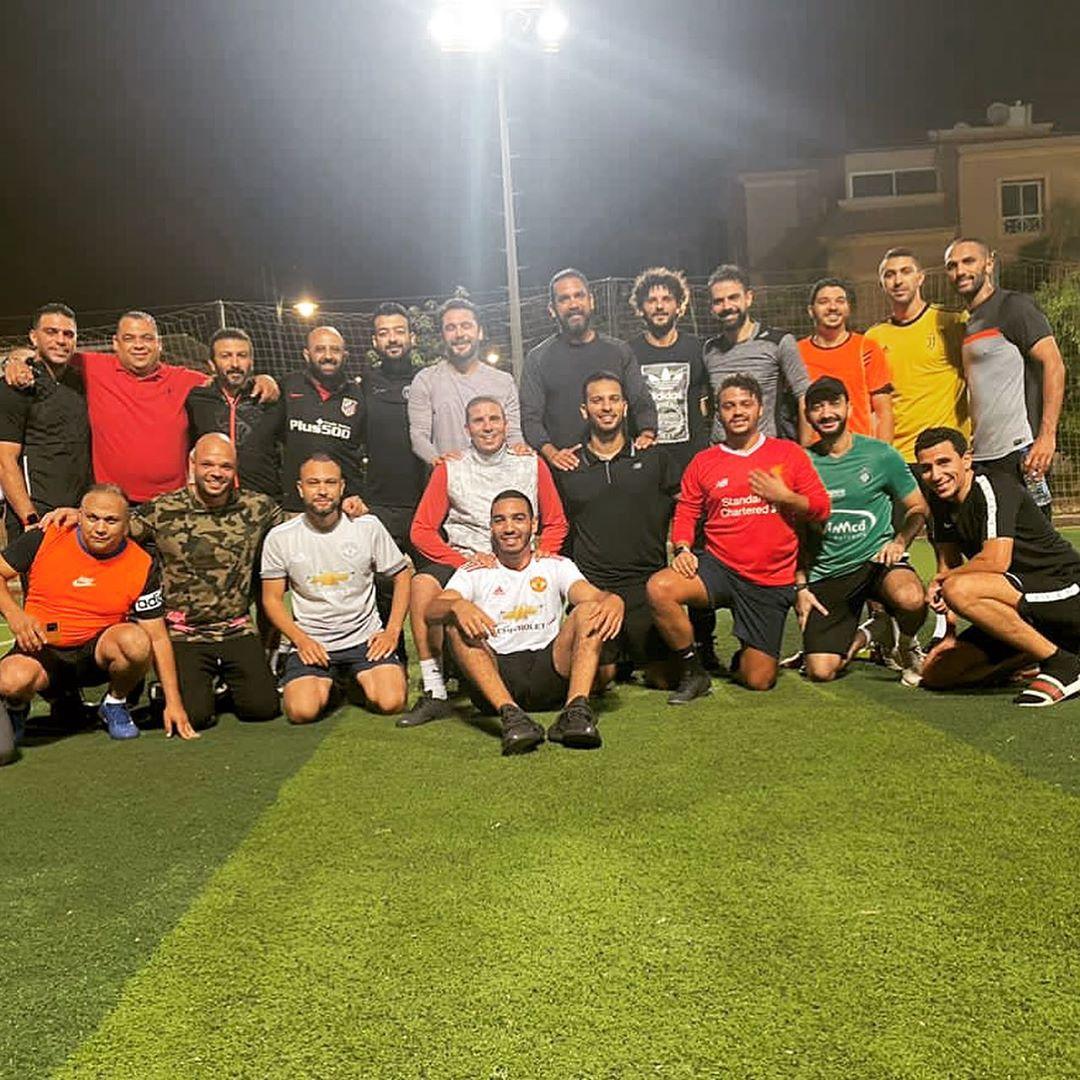 نجوم كرة القدم مع أمير كرارة والأصدقاء