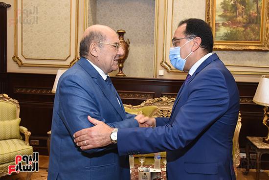 المستشار عبد الوهاب عبد الرازق يستقبل رئيس الوزراء (3)
